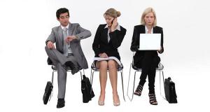 Hãy tìm cách vận động khi phải ngồi lâu