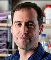 Tiến sĩ Jonathan Alder